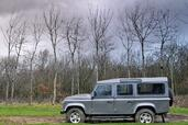 Land-Rover Defender  photo 19 http://www.voiturepourlui.com/images/Land-Rover/Defender/Exterieur/Land_Rover_Defender_019.jpg
