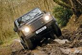 Land-Rover Defender  photo 23 http://www.voiturepourlui.com/images/Land-Rover/Defender/Exterieur/Land_Rover_Defender_023.jpg