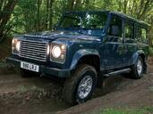 Land-Rover Defender  photo 28 http://www.voiturepourlui.com/images/Land-Rover/Defender/Exterieur/Land_Rover_Defender_028.jpg