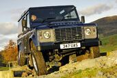 Land-Rover Defender  photo 29 http://www.voiturepourlui.com/images/Land-Rover/Defender/Exterieur/Land_Rover_Defender_029.jpg