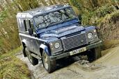 Land-Rover Defender  photo 32 http://www.voiturepourlui.com/images/Land-Rover/Defender/Exterieur/Land_Rover_Defender_032.jpg