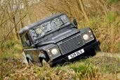 Land-Rover Defender  photo 35 http://www.voiturepourlui.com/images/Land-Rover/Defender/Exterieur/Land_Rover_Defender_035.jpg