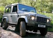 Land-Rover Defender  photo 37 http://www.voiturepourlui.com/images/Land-Rover/Defender/Exterieur/Land_Rover_Defender_037.jpg