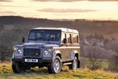 Land-Rover Defender  photo 40 http://www.voiturepourlui.com/images/Land-Rover/Defender/Exterieur/Land_Rover_Defender_040.jpg