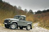 Land-Rover Defender  photo 42 http://www.voiturepourlui.com/images/Land-Rover/Defender/Exterieur/Land_Rover_Defender_042.jpg