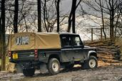 Land-Rover Defender  photo 43 http://www.voiturepourlui.com/images/Land-Rover/Defender/Exterieur/Land_Rover_Defender_043.jpg