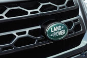 Land-Rover Discovery Sport  photo 27 http://www.voiturepourlui.com/images/Land-Rover/Discovery-Sport/Exterieur/Land_Rover_Discovery_Sport_029_grille.jpg