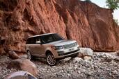 Land-Rover Range Rover 2013  photo 9 http://www.voiturepourlui.com/images/Land-Rover/Range-Rover-2013/Exterieur/Land_Rover_Range_Rover_2013_009.jpg