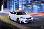 Lexus CT 200h 2015  photo 6 http://www.voiturepourlui.com/images/Lexus/CT-200h-2015/Exterieur/Lexus_CT_200h_2015_006.jpg