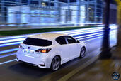 Lexus CT 200h 2015  photo 8 http://www.voiturepourlui.com/images/Lexus/CT-200h-2015/Exterieur/Lexus_CT_200h_2015_008_back.jpg