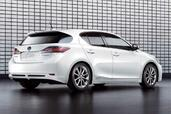 Lexus CT 200h  photo 3 http://www.voiturepourlui.com/images/Lexus/CT-200h/Exterieur/Lexus_CT_200h_003.jpg