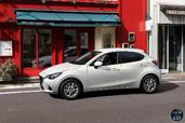 Mazda 2 2015  photo 11 http://www.voiturepourlui.com/images/Mazda/2-2015/Exterieur/Mazda_2_2015_011_blanc.jpg