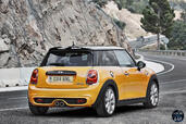 Mini Cooper S 2015  photo 15 http://www.voiturepourlui.com/images/Mini/Cooper-S-2015/Exterieur/Mini_Cooper_S_2015_015_back.jpg