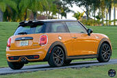 Mini Cooper S 2015  photo 26 http://www.voiturepourlui.com/images/Mini/Cooper-S-2015/Exterieur/Mini_Cooper_S_2015_026_back.jpg