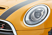 Mini Cooper S 2015  photo 32 http://www.voiturepourlui.com/images/Mini/Cooper-S-2015/Exterieur/Mini_Cooper_S_2015_032_phare.jpg