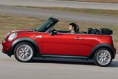 Mini John Cooper Convertible  photo 3 http://www.voiturepourlui.com/images/Mini/John-Cooper-Convertible/Exterieur/Mini_John_Cooper_Convertible_003.jpg