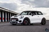 Mini John Cooper Works Challenge 2017  photo 2 http://www.voiturepourlui.com/images/Mini/John-Cooper-Works-Challenge-2017/Exterieur/Mini_John_Cooper_Works_Challenge_2017_002.jpg