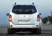 Nissan Pathfinder  photo 5 http://www.voiturepourlui.com/images/Nissan/Pathfinder/Exterieur/Nissan_Pathfinder_005.jpg