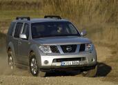 Nissan Pathfinder  photo 10 http://www.voiturepourlui.com/images/Nissan/Pathfinder/Exterieur/Nissan_Pathfinder_016.jpg