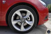 Opel Astra GTC 2014  photo 10 http://www.voiturepourlui.com/images/Opel/Astra-GTC-2014/Exterieur/Opel_Astra_GTC_2014_010_Jante.jpg
