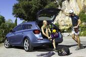 Opel Astra Sports Tourer  photo 13 http://www.voiturepourlui.com/images/Opel/Astra-Sports-Tourer/Exterieur/Opel_Astra_Sports_Tourer_013.jpg