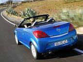 Opel Tigra  photo 9 http://www.voiturepourlui.com/images/Opel/Tigra/Exterieur/Opel_Tigra_012.jpg