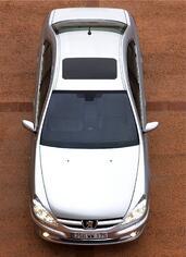 Peugeot 607  photo 15 http://www.voiturepourlui.com/images/Peugeot/607/Exterieur/Peugeot_607_018.jpg
