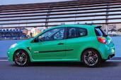 Renault Clio III RS 2009  photo 9 http://www.voiturepourlui.com/images/Renault/Clio-III-RS-2009/Exterieur/Renault_Clio_III_RS_2009_009.jpg
