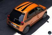 Renault Twingo GT 2017  photo 10 http://www.voiturepourlui.com/images/Renault/Twingo-GT-2017/Exterieur/Renault_Twingo_GT_2017_010_orange_noir_arriere_hauteur_toit_motifs.jpg