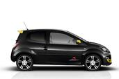 Renault Twingo RS Red Bull RB7  photo 4 http://www.voiturepourlui.com/images/Renault/Twingo-RS-Red-Bull-RB7/Exterieur/Renault_Twingo_RS_Red_Bull_RB7_004.jpg