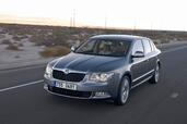 Skoda Superb 2008  photo 1 http://www.voiturepourlui.com/images/Skoda/Superb-2008/Exterieur/Skoda_Superb_2008_001.jpg