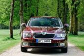 Skoda Superb 2008  photo 9 http://www.voiturepourlui.com/images/Skoda/Superb-2008/Exterieur/Skoda_Superb_2008_009.jpg