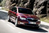 Skoda Superb 2008  photo 10 http://www.voiturepourlui.com/images/Skoda/Superb-2008/Exterieur/Skoda_Superb_2008_010.jpg