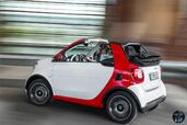 Smart ForTwo Cabrio 2016  photo 6 http://www.voiturepourlui.com/images/Smart/ForTwo-Cabrio-2016/Exterieur/Smart_ForTwo_Cabrio_2016_006_rouge_blanc_decapotable_cote.jpg