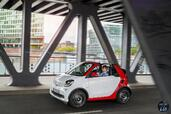 Smart ForTwo Cabrio 2016  photo 8 http://www.voiturepourlui.com/images/Smart/ForTwo-Cabrio-2016/Exterieur/Smart_ForTwo_Cabrio_2016_009_rouge_blanc_decapotable_cote.jpg