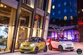 Smart ForTwo Cabrio 2016  photo 14 http://www.voiturepourlui.com/images/Smart/ForTwo-Cabrio-2016/Exterieur/Smart_ForTwo_Cabrio_2016_016_rouge_blanc_jaune_gris_decapotable_avant_face.jpg