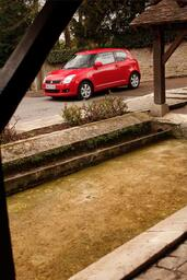 Suzuki Swift in the City  photo 7 http://www.voiturepourlui.com/images/Suzuki/Swift-in-the-City/Exterieur/Suzuki_Swift_in_the_City_007.jpg