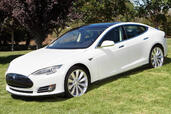 Tesla S  photo 8 http://www.voiturepourlui.com/images/Tesla/S/Exterieur/Tesla_S_008.jpg