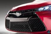 Toyota Camry 2015  photo 23 http://www.voiturepourlui.com/images/Toyota/Camry-2015/Exterieur/Toyota_Camry_2015_024_calandre.jpg