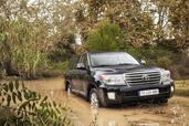 Toyota Land Cruiser SW V8  photo 9 http://www.voiturepourlui.com/images/Toyota/Land-Cruiser-SW-V8/Exterieur/Toyota_Land_Cruiser_SW_V8_009.jpg