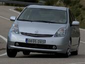 Toyota Prius  photo 4 http://www.voiturepourlui.com/images/Toyota/Prius/Exterieur/Toyota_Prius_004.jpg