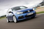Volkswagen Golf R  photo 2 http://www.voiturepourlui.com/images/Volkswagen/Golf-R/Exterieur/Volkswagen_Golf_R_002.jpg