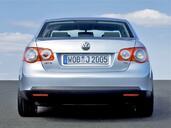 Volkswagen Jetta  photo 9 http://www.voiturepourlui.com/images/Volkswagen/Jetta/Exterieur/Volkswagen_Jetta_009.jpg