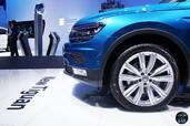 Volkswagen Tiguan Salon Geneve 2016  photo 5 http://www.voiturepourlui.com/images/Volkswagen/Tiguan-Salon-Geneve-2016/Exterieur/Volkswagen_Tiguan_Salon_Geneve_2016_005_calandre.jpg
